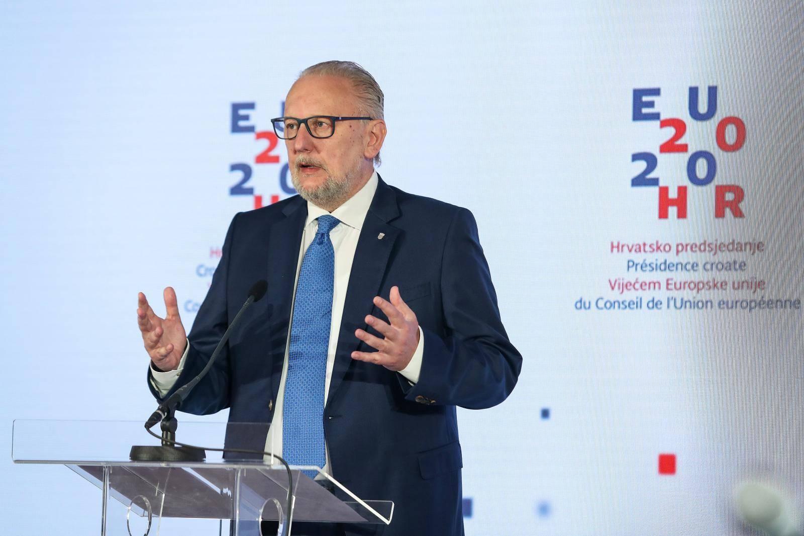 Zagreb: Video konferencija ministra Božinovića