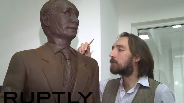 Nikad nije bio slađi: Kip Putina napravili su od 70 kg čokolade