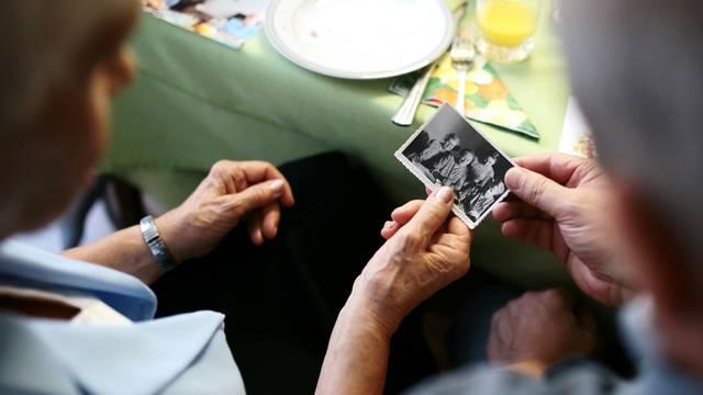 Sud odobrio zadnju želju: Žena (60) smije roditi vlastite unuke