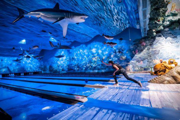 Podvodni akvarij: Ispod morske površine se kugla ili igra biljar
