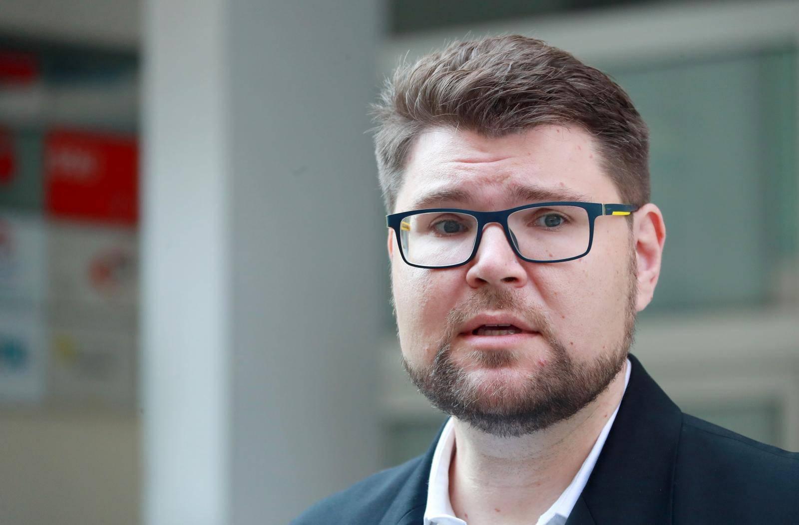 Zagreb: Kandidat za predsjednika SDP-a Peđa Grbin o unutarstranačkim izborima