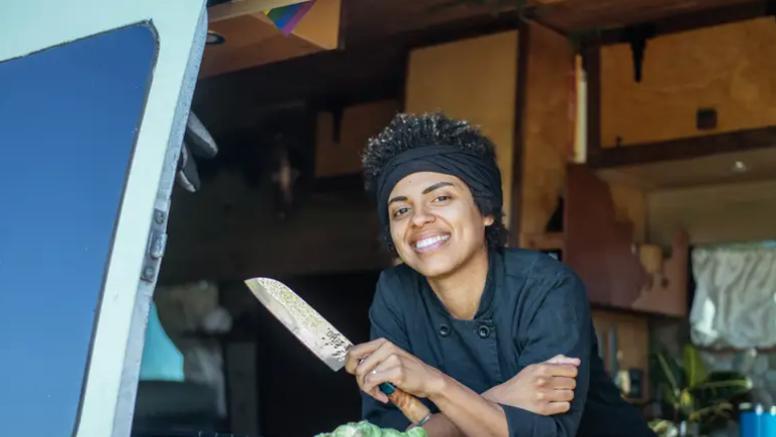 Kako najbolje iskoristiti prostor u maloj kuhinju - odlični savjeti kuharice koja živi u kombiju