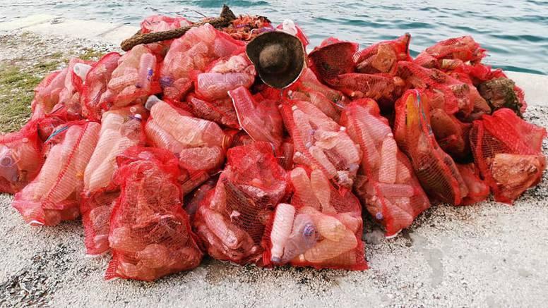 Ronioci su iz mora kod Mljeta izvukli 200 vreća punih smeća