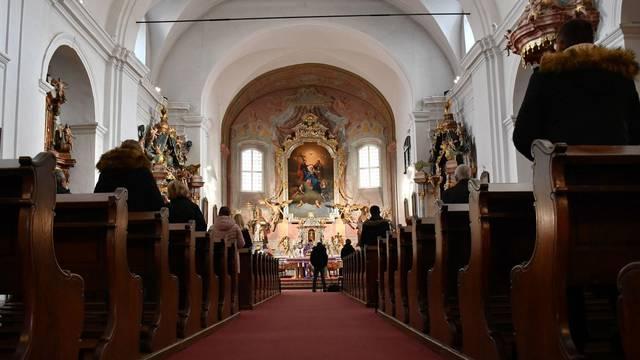 Slavonski Brod: Manje vjernika na jutarnjim adventskim misama