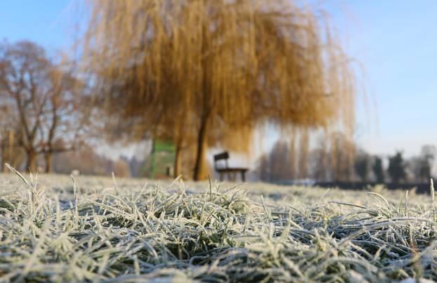Karlovac: Hladno jutro uz rijeku Koranu