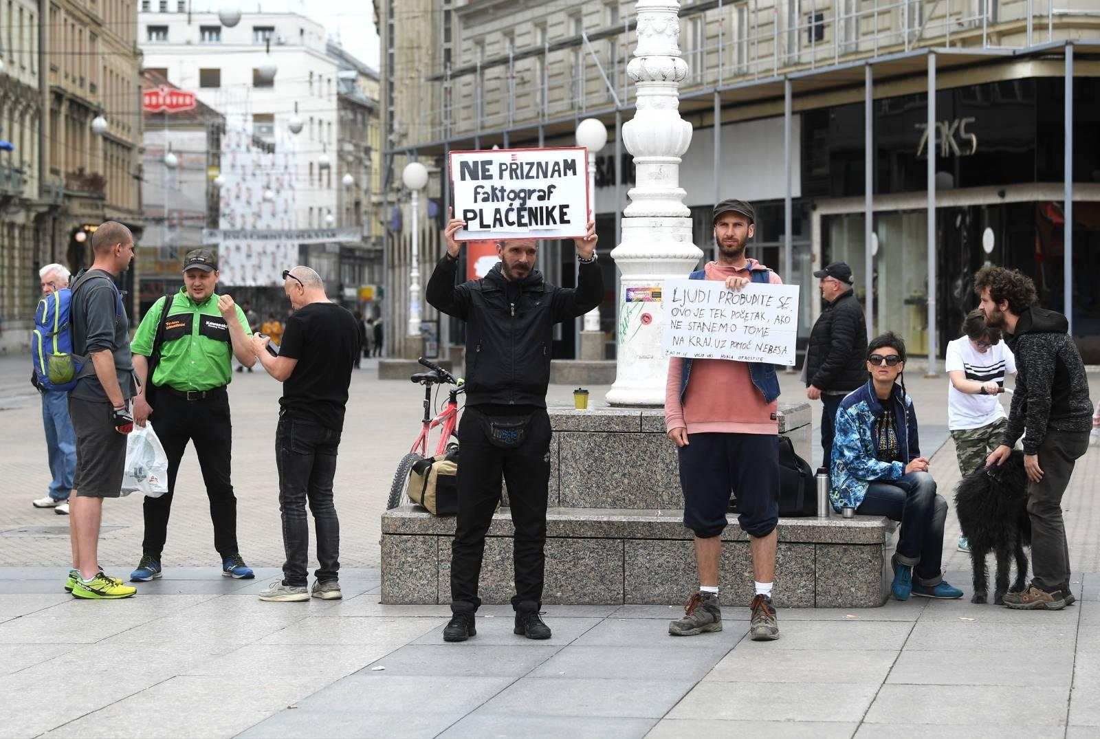 Zagreb: Nekoliko građana na Trgu prosvjedovalo protiv 5G mreže i cijepljenja