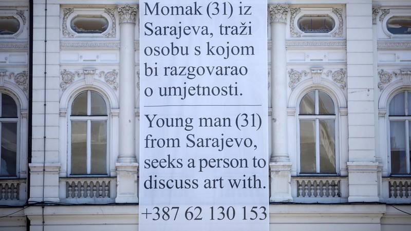 Mladić u Sarajevu objesio plakat i ostavio broj telefona: Tražim nekog za razgovor