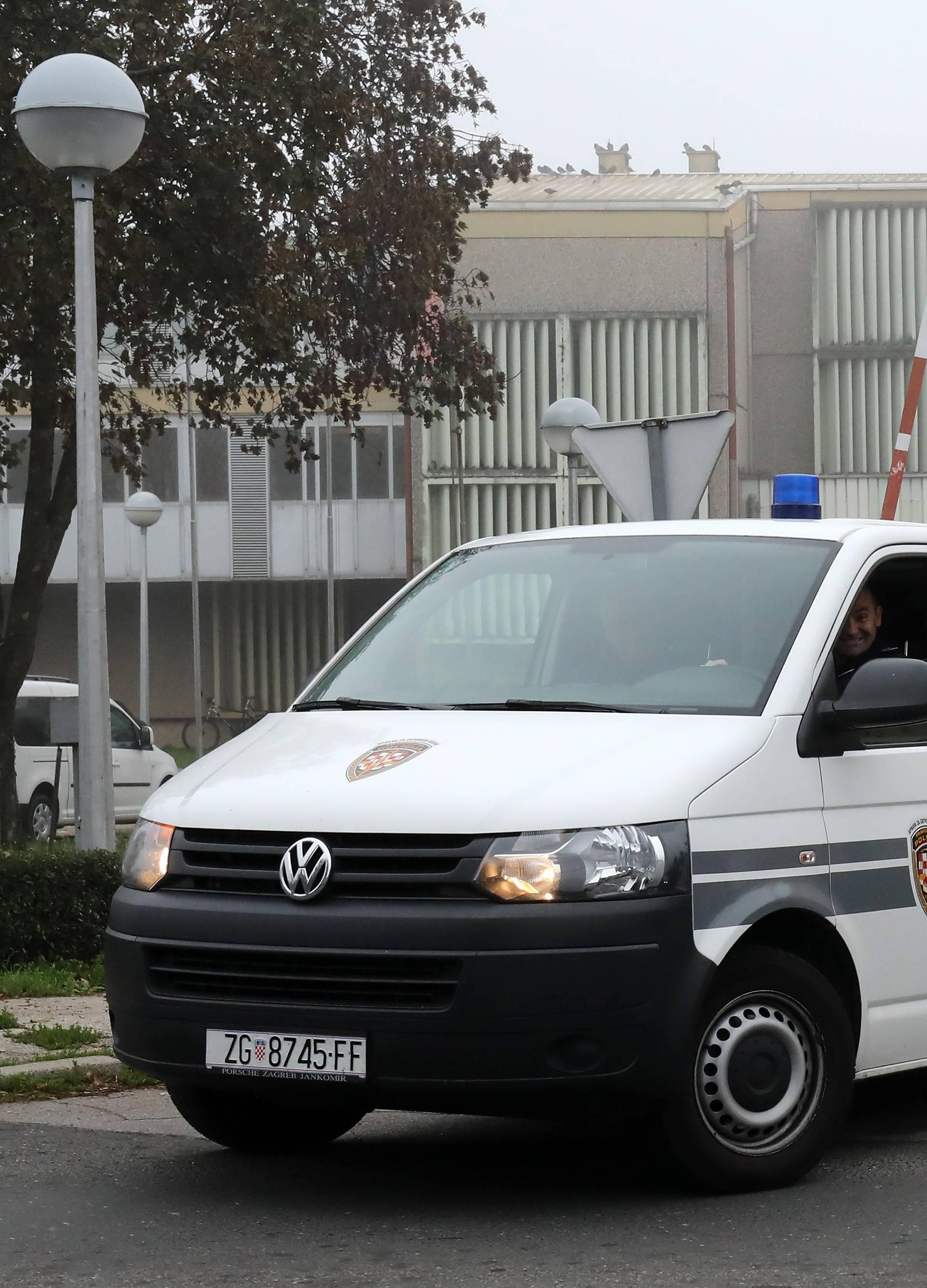 Zagreb: Kombi pravosudne policije napušta remetinečki zatvor