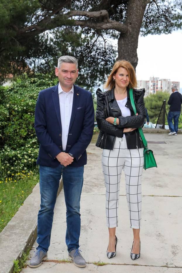 Pula: Kandidat za župana Boris Miletić sa suprugom Larom izašao na biralište
