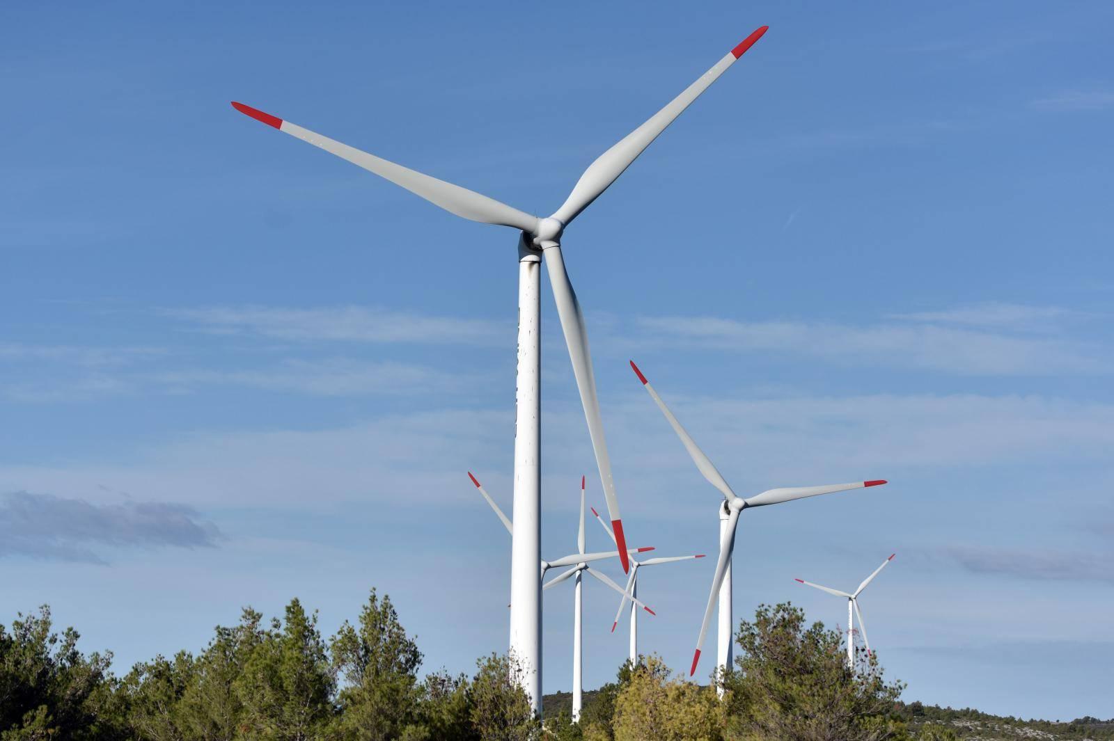 Vjetroelektrane i solarne ploče mogu biti spas za naš planet