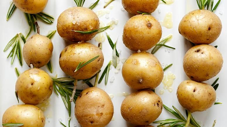 Mladi krumpir s ružmarinom i umakom od mente - prefino!