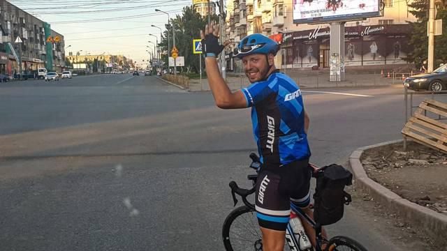 Humanitarna avantura: Planira obići svijet biciklom u sto dana