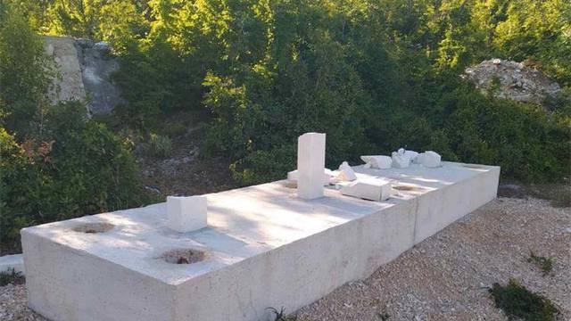 Vandali uništili četiri križa postavljena u čast braniteljima