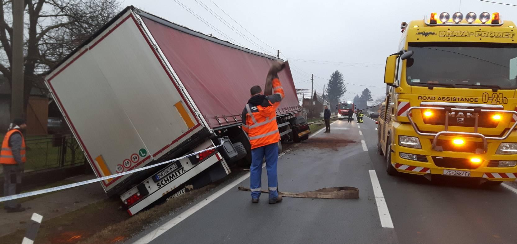 Na ravnom dijelu ceste sletio u jarak, srećom nema ozlijeđenih