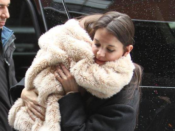Katie Holmes and Suri out in New York