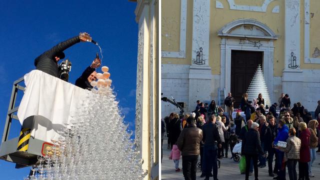 Staklena piramida: Ulili su 300 boca pjenušca u 2020 čaša...