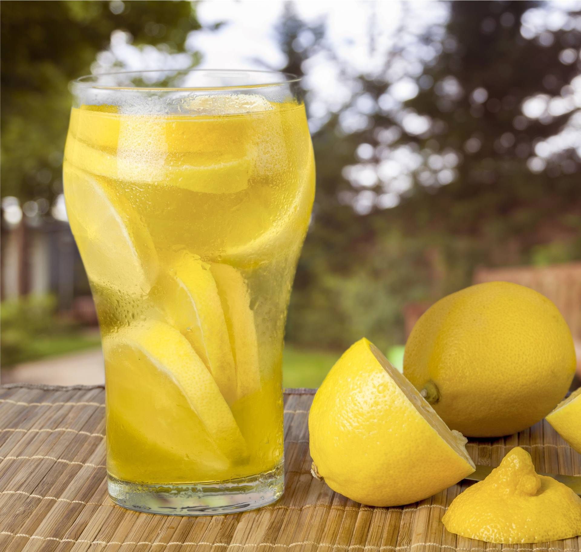 Voda s limunom jača imunitet, osvježava i aktivira probavu