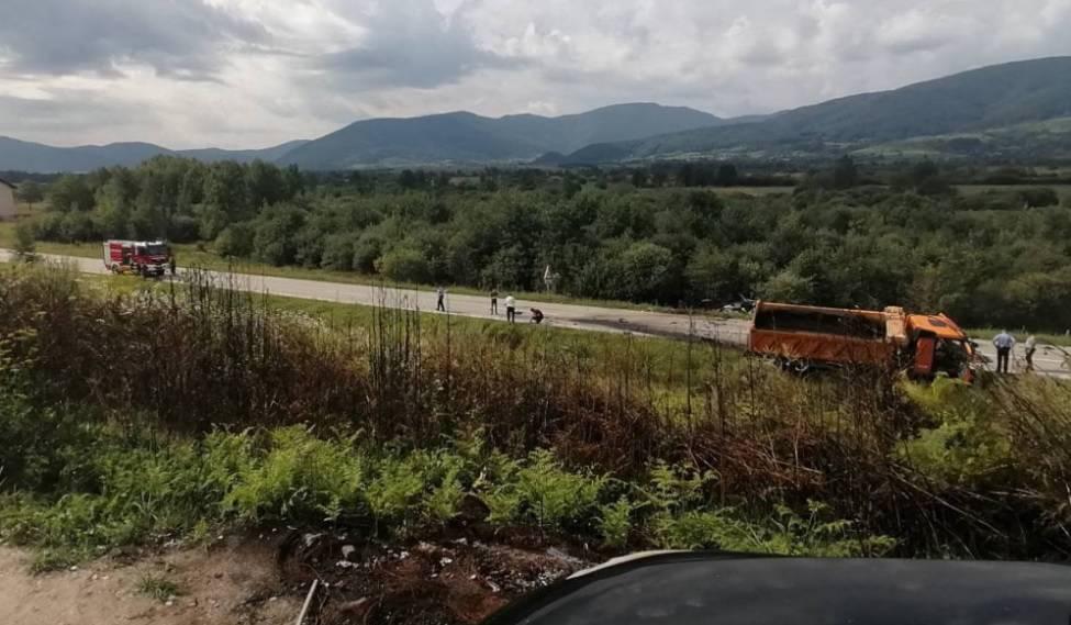 U teškoj prometnoj nesreći u BiH poginuli roditelji i beba