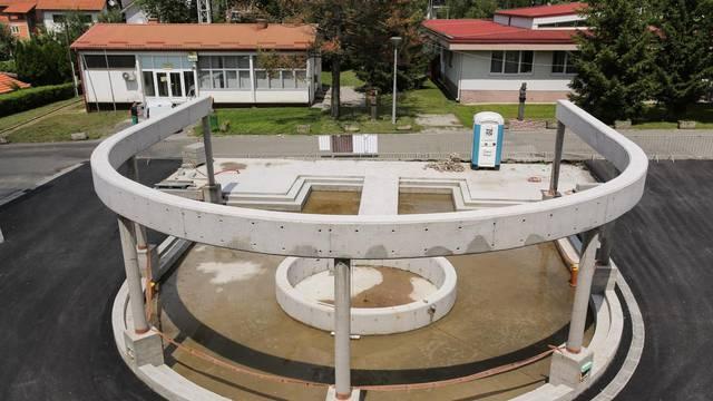 HDZ-ov načelnik novcem iz EU gradi fontanu u obliku slova 'U'