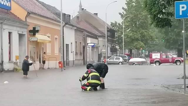 Upozorenje Civilne zaštite zbog obilnih kiša: Ne krećite na put i na izlete, ne kampirajte vani