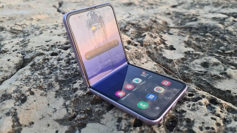 Isprobali smo preklopni Galaxy Z Flip3: Telefoniranje budućnosti