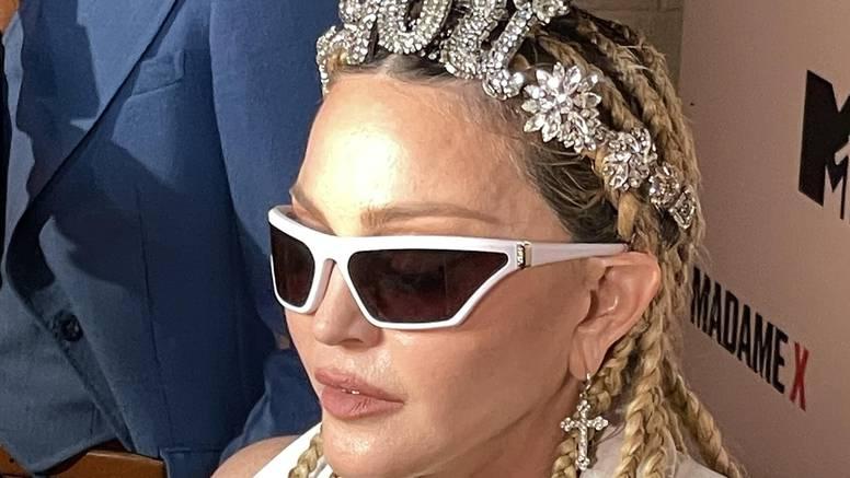 Madonna šokirala publiku licem na premijeri koncertnog filma: Izgleda poput voštane figure