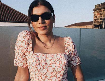 Boho haljina cvjetnog motiva idealna je za sunčani party