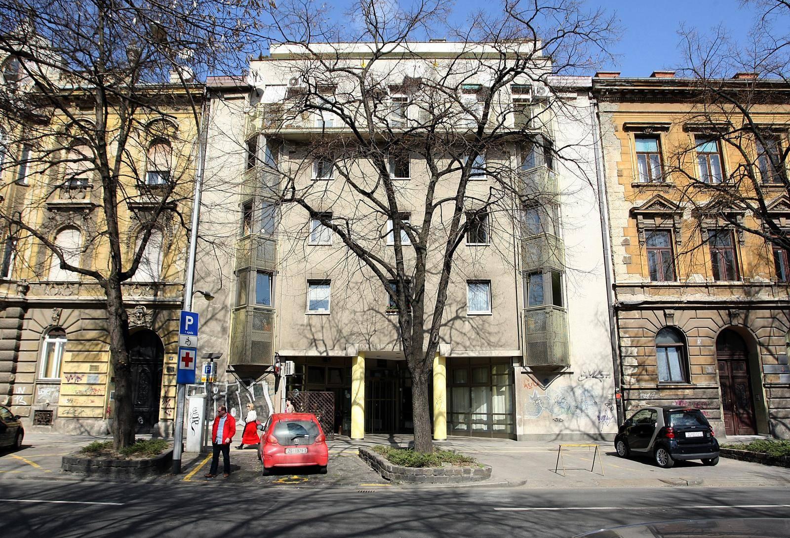 U Domu za starije 'Centar' u Klaićevoj zaražene su dvije socijalne radnice i  zaposlenica