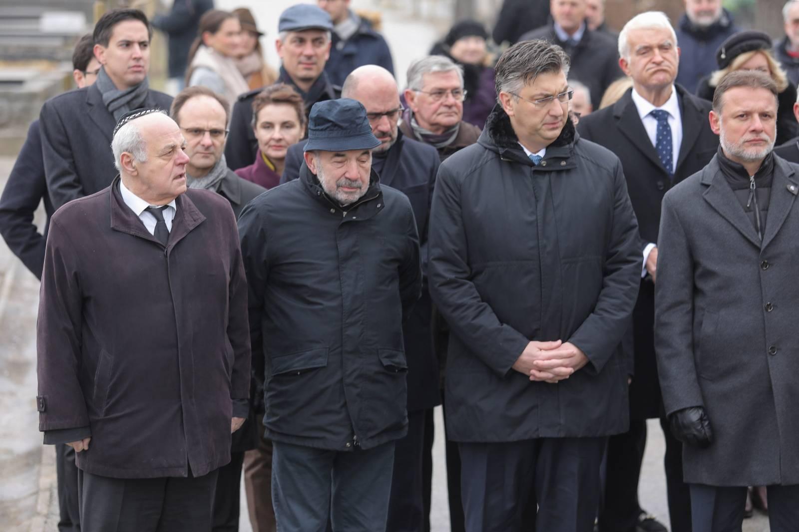 Zagreb: Na Mirogoju položeni vijenci na Dan sjećanja na žrtve Holokausta