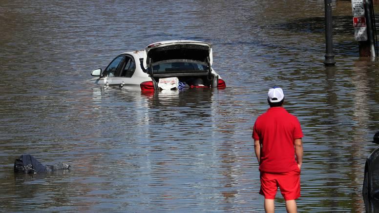 Joe Biden u Louisiani vidio posljedice uragana Ide: U New Jerseyu raste broj žrtava