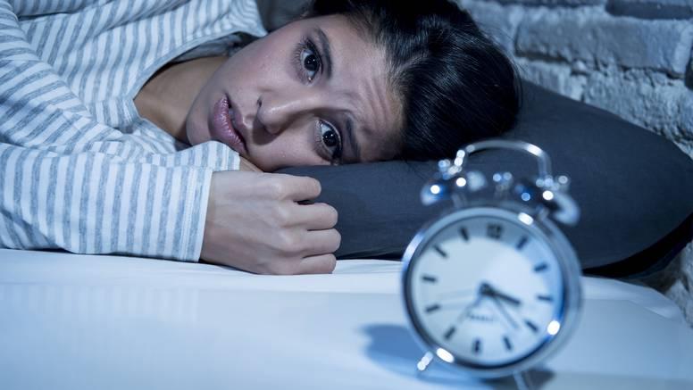 Trebate spavati, a mozak skače od teme do teme - što učiniti?