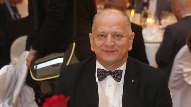 Nikici Gabriću razbili vrata i prozore na klinici u Zagrebu