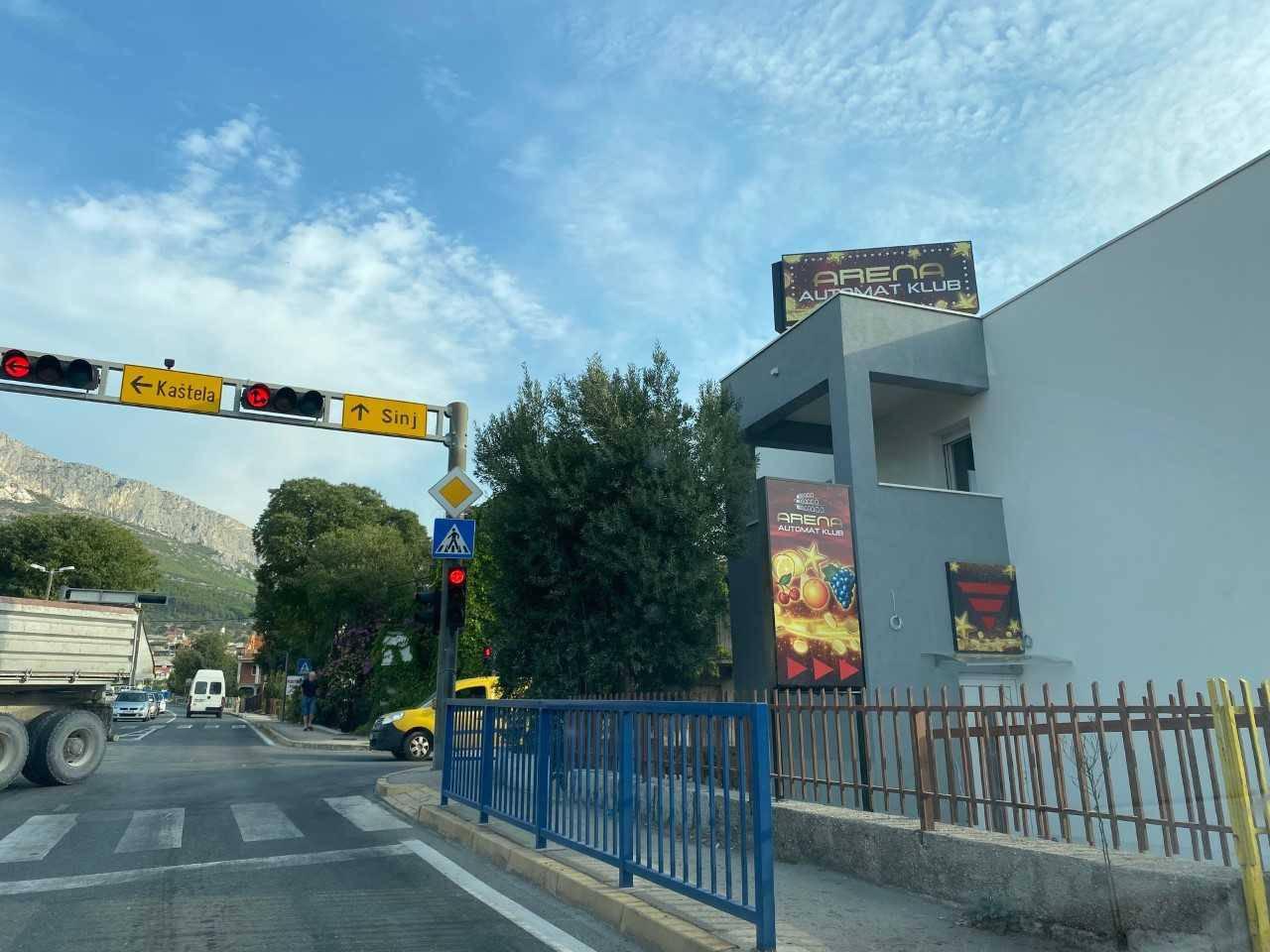 Kockarnicu kraj škole u Solinu komentirali i iz Porezne uprave