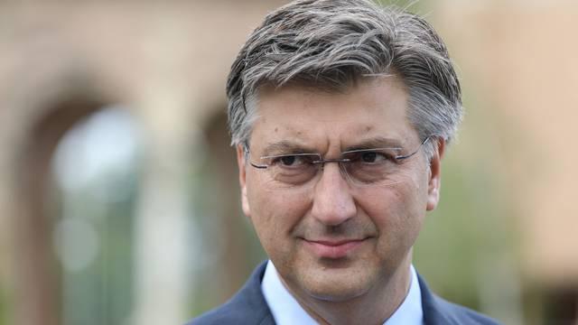 Zagreb: Andrej Plenković položio vijence povodom Dana pobjede i domovinske zahvalnosti