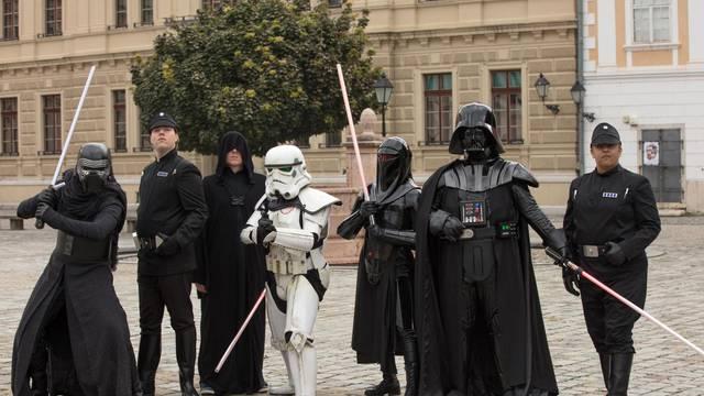 Star Wars tjedan u Osijeku  završen mimohodom sudionika po Tvrđi