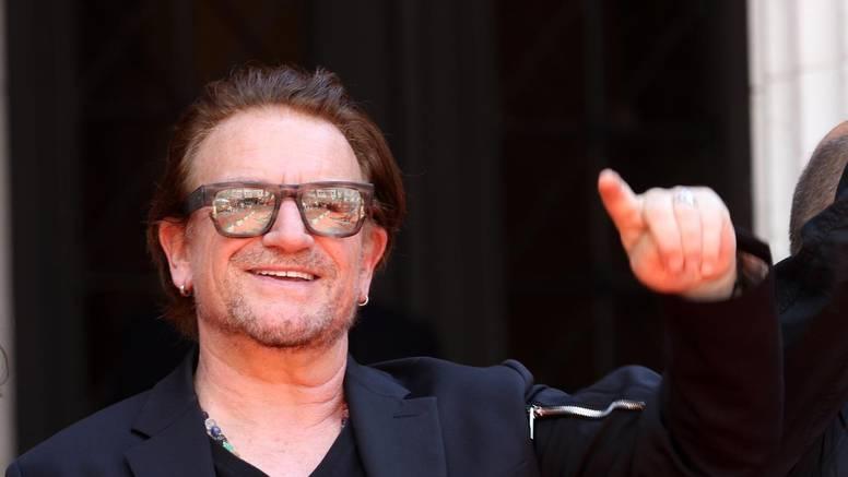 Bono Vox dočekan je ovacijama i pljeskom na crvenom tepihu