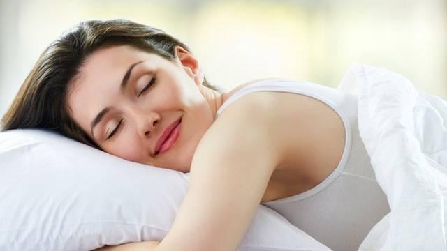 Trikovi za bolji san: Izbacite mobitele i televizor iz spavaće