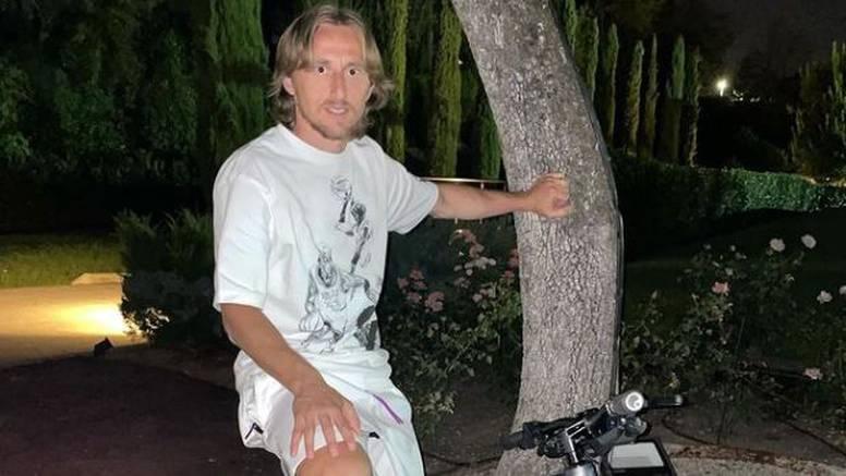 Modrić se pohvalio Rimčevim biciklom, sliku mu komentirao i naš slavni glumac: 'Koja pila!'