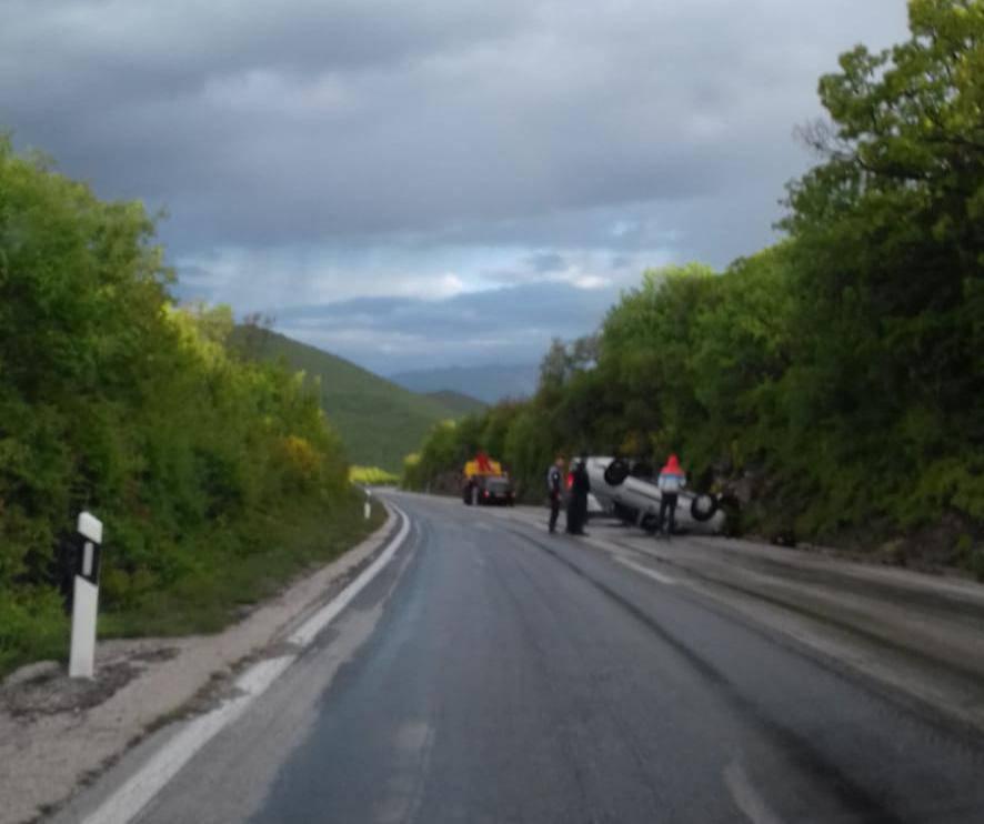 Nesreća kod Trilja: Okrenuo se auto na krov, nema ozlijeđenih