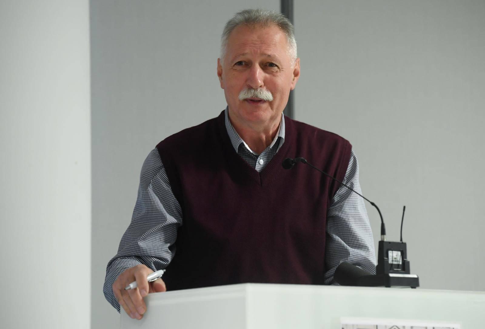 Zagreb: Sindikati izvijestiti o štrajku u osnovnim i srednjim školama