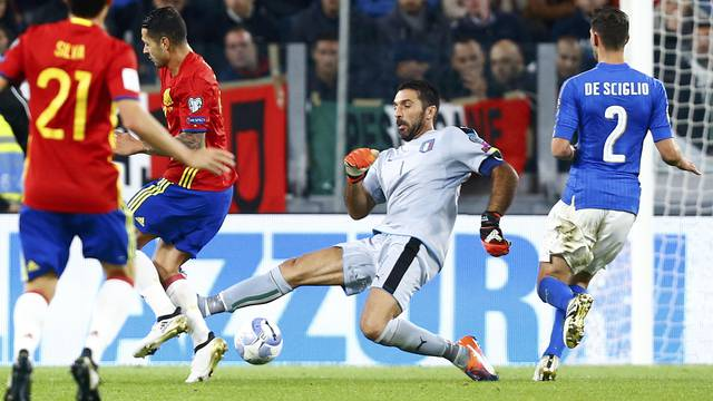 Football Soccer - Italy v Spain - World Cup 2018 Qualifier