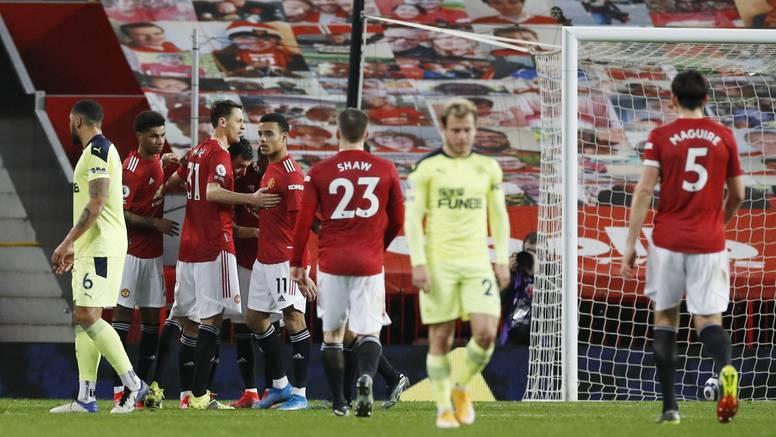 Manchester United opet drugi: Gradski rivali imaju plus 10...
