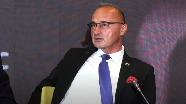 Pogledajte kako ministar Grlić Radman govori engleski jezik