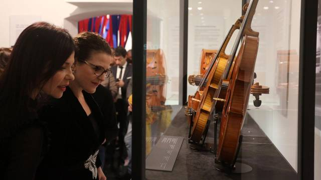 """U Rijeci otvorena izložba """"Violinom iznad granica / Stradivari u Rijeci - Kresnik i Cremona"""""""