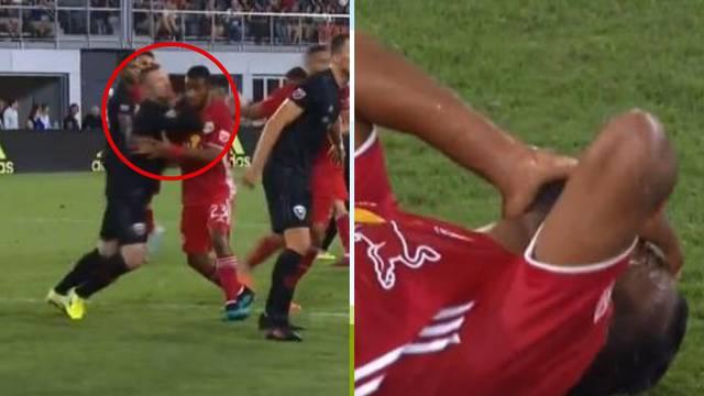 Mora da je gledao UFC: Rooney 'uvalio' lakat pa dobio crveni