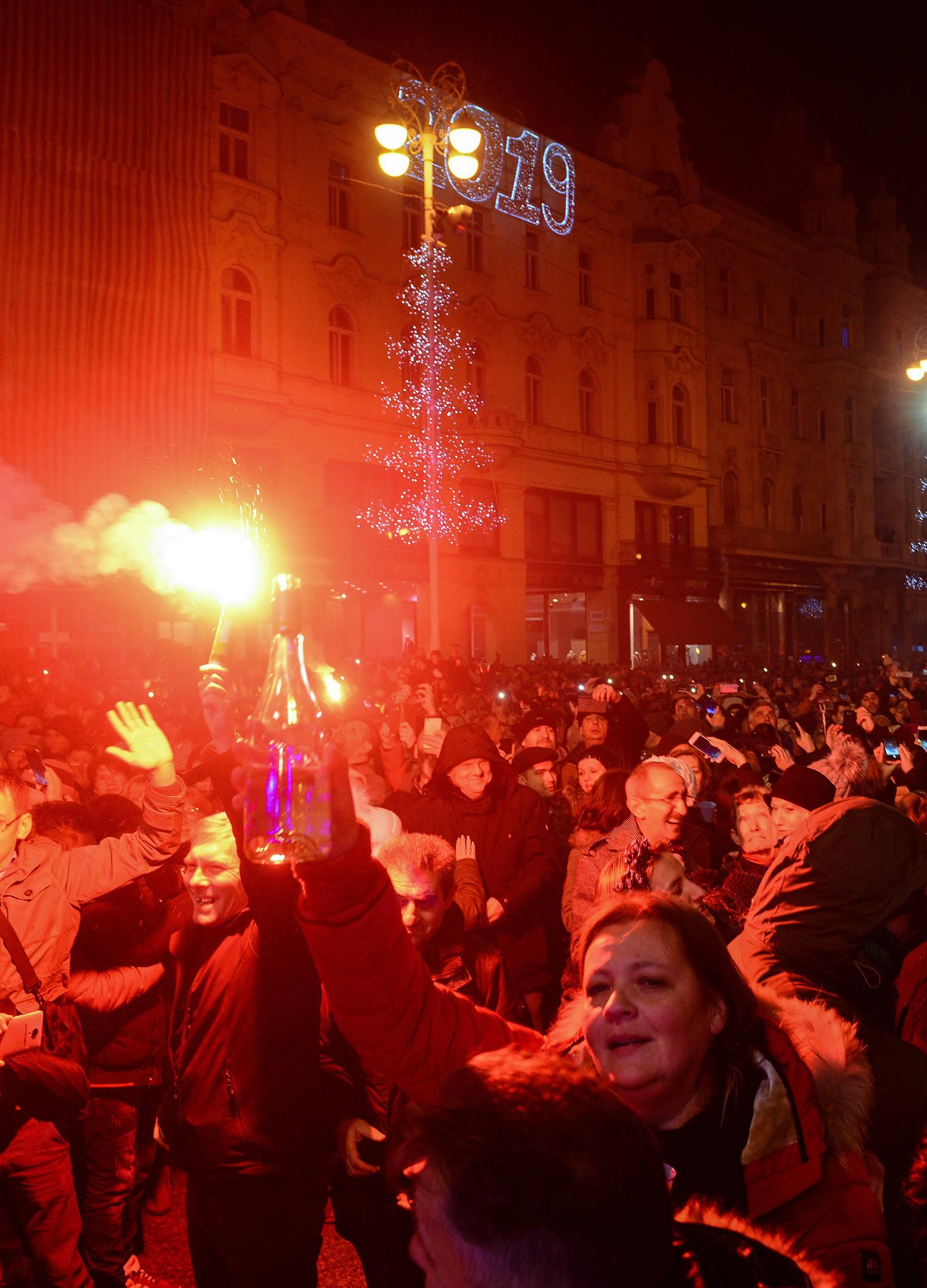Ljudi se napili: Hitna u Zagrebu imala  je nešto više intervencija