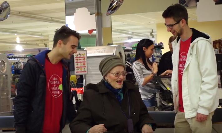 Božićna čarolija: Nemoćnoj su bakici izmamili suze radosnice