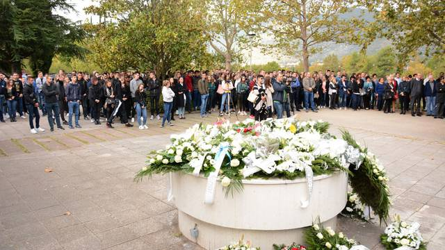 Tuga i suze u Mostaru: 'Bila je draga, svima kao član obitelji'