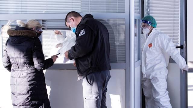 Epidemiološko testiranje u splitskoj Trajektnoj luci