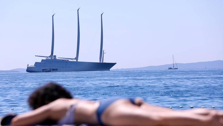 Kakav prizor! U Split je uplovila jahta najbogatije Srpkinje koja je dobra prijateljica Nine Badrić